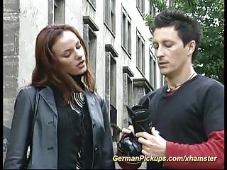 Casting pour cette jeune teen rousse allemande qui gère la fellation